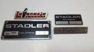 Letreros y placas corporativas de empresa_MyF Metal